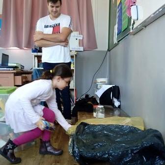 Initiation au tri des déchets en CE1